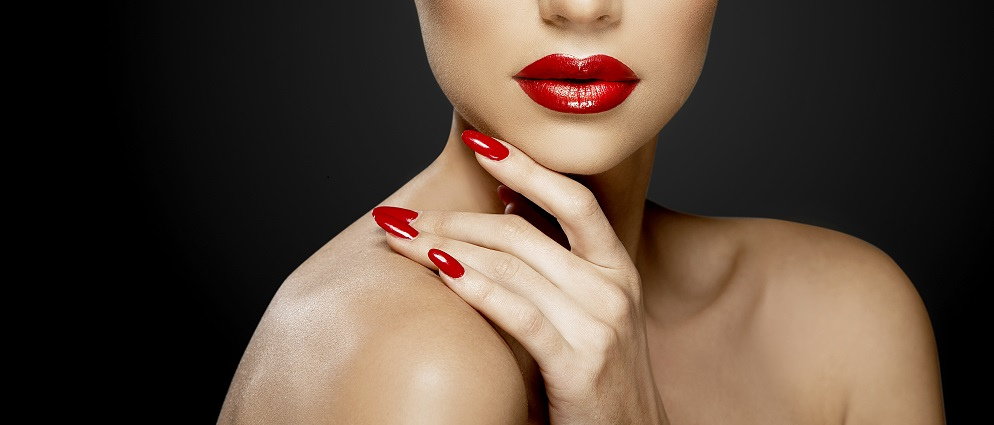 Red lips attract men