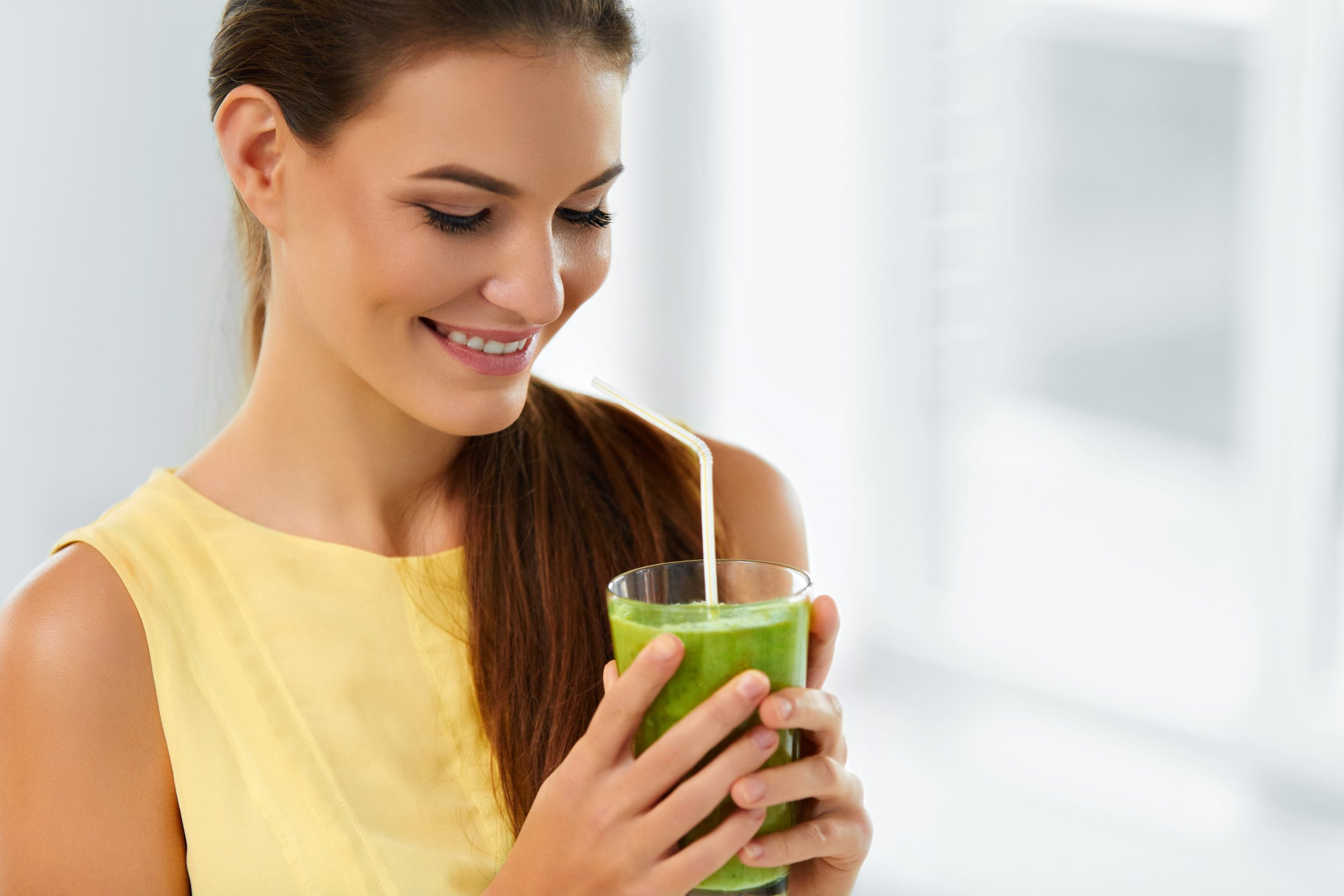 Dr Low Chai Ling helps us understand the difference between a detox and a cleanse