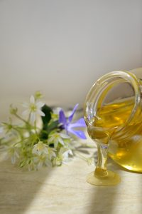Honey is used for many essential skin care uses and it provides many important and natural benefits to your skin.